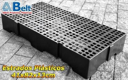 Estrado Plástico 41x82x13cm na cor preta