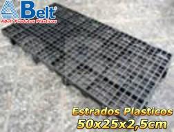 Estrado Plástico 50 x 25 x 2,5cm na cor preta