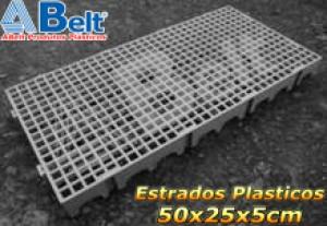 Estrado Plástico 50 x 25 x 5 cm na cor cinza