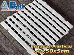 Estrado plástico 50 x 50 x 5cm na cor branca