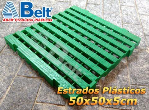 Estrado Plástico 50 x 50 x 5 cm na cor verde