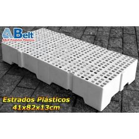 Estrado Plástico 41x82x13cm na cor branca