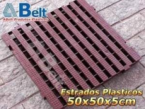 Estrado Plástico 50 x 50 x 5 cm na cor marrom